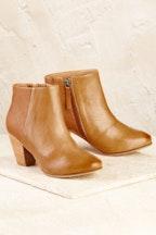 FRANKiE4 Gemma Heel Boot