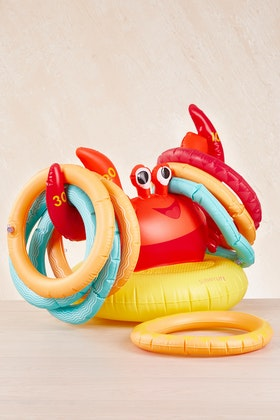 SunnyLIFE Crabby Inflatable Ring Toss