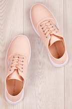 Betty Basics Traveler Sneaker