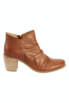 EOS Court Leather Ankle Boot