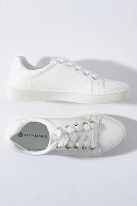 Betty Basics Adventure Sneaker