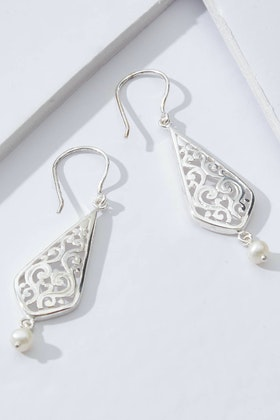 Lush Designs Sea Embrace Sterling Silver Pearl Earrings