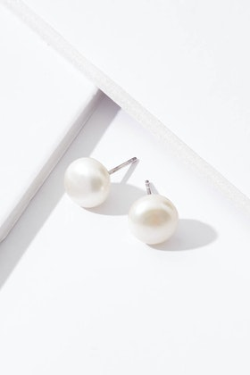 Lush Designs Pearl 10mm Stud Earrings