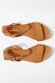 Jinnit Leather Flat