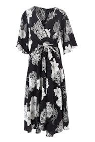 Belle Luxe Floral Kimono