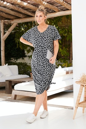 17 Sundays Leopard Print Maxi Dress