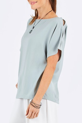 bird by design The Flowy Blouse