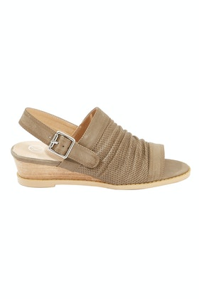 KO Fashion Ollo Low Wedge Heel