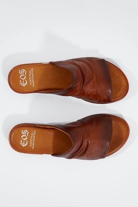 EOS Lion Leather Flat Sandal