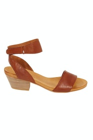 Cubo Leather Sandal Heel