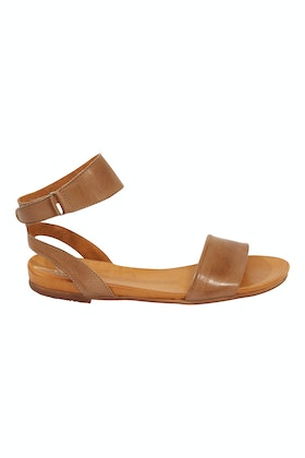 EOS Lauren Leather Flat Sandal