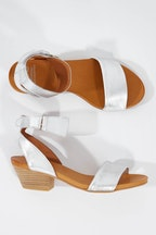 EOS Cubo Leather Sandal Heel