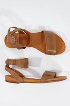 EOS Lauren Leather Flat Sandal