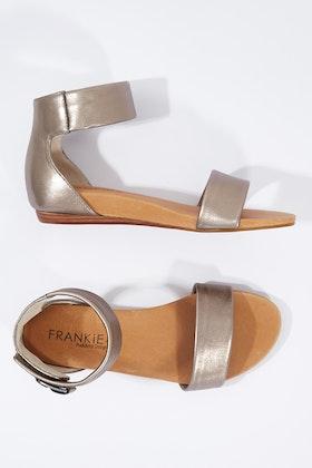 FRANKiE4 Maddie Flat Sandal