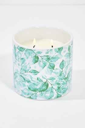 Lantern Cove Secret Garden 13oz Thyme And Olive Leaf Candle