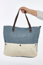 Holiday Beachcomber Tote Bag