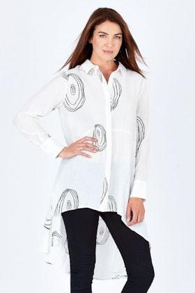 Clarity By Threadz Coil Print Hi Lo Shirt