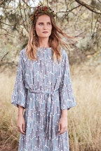 Scandi bird Hostregn Tie Waist Dress