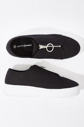 Betty Basics Cruise Zip Sneaker