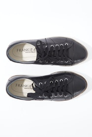 Nat Sneaker