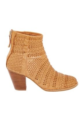caeb0e10bd747 Women's Boots Online | Shop All Styles Of Women's Boots at Birdsnest