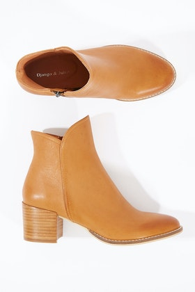 Django & Juliette Mockas Ankle Boot