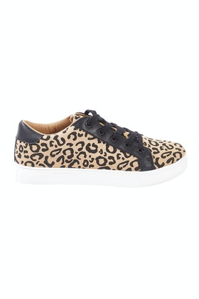 93471049b3fbcc Betty Basics Exploration Sneaker