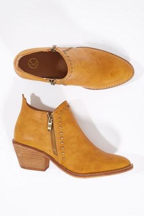afe70475f41 KO Fashion Dwyer Ankle Boot