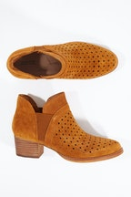Earth Shoes Keren Ankle Boot