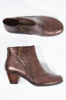 Earth Shoes Hope Ankle Boot