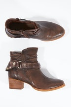 Earth Shoes Desoto Ankle Boot