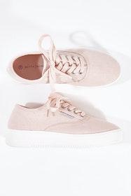Traveler Sneaker