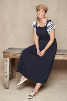 35871acc6 Shop Women s Styled Outfits at Birdsnest