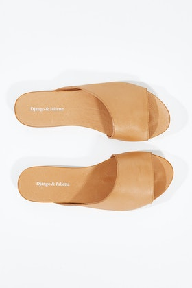 Django & Juliette Jerica Leather Flat Sandal