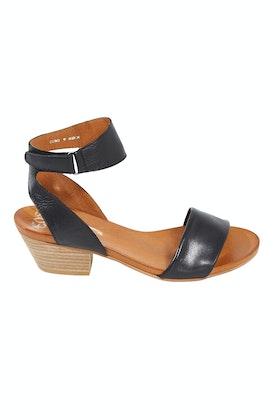 EOS Cubo Leather Heel